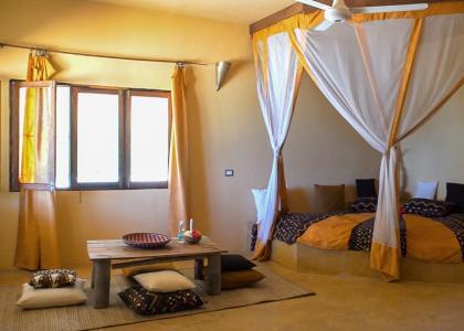 Villaen er hyggeligt indrettet og har to soveafdeling med hver sit badeværelse