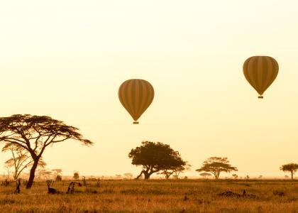 Der er mulighed for at flyve i luftballon over Serengeti sletten