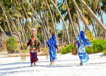 På Zanzibar kan man opleve den autentiske og farvestrålende swahili kultur