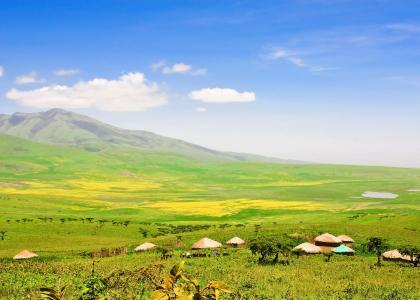 Smuk og frodig natur mellem Serengeti og Ngorongoro krateret hvor masaierne bor