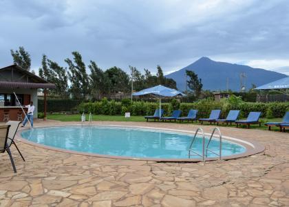 Swimmingpool på Planet Lodge, Arusha